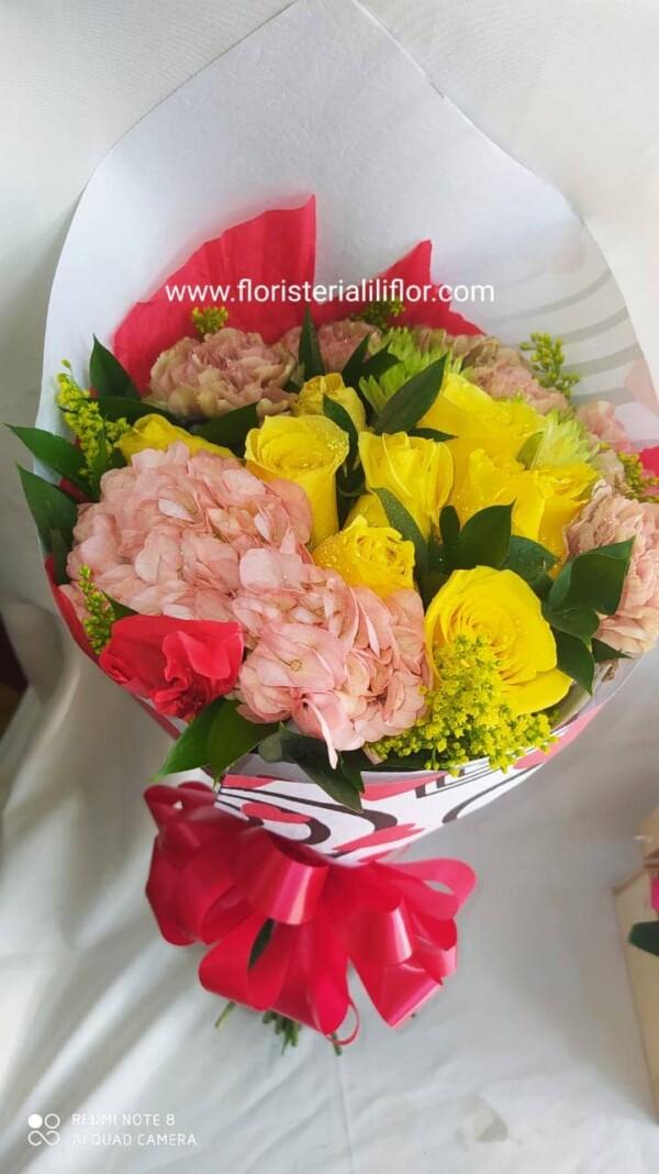 Ramo redondo en flores surtidas colores hermosos valor